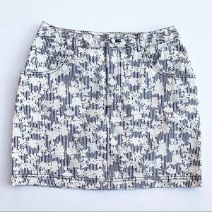 BDG Urban Outfitters Navy & White Floral Skirt 8